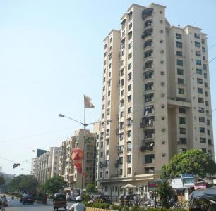 Gallery Cover Image of 1370 Sq.ft 3 BHK Apartment for rent in Malad West for 60000