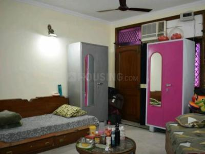 Bedroom Image of Om Sai PG in Lajpat Nagar