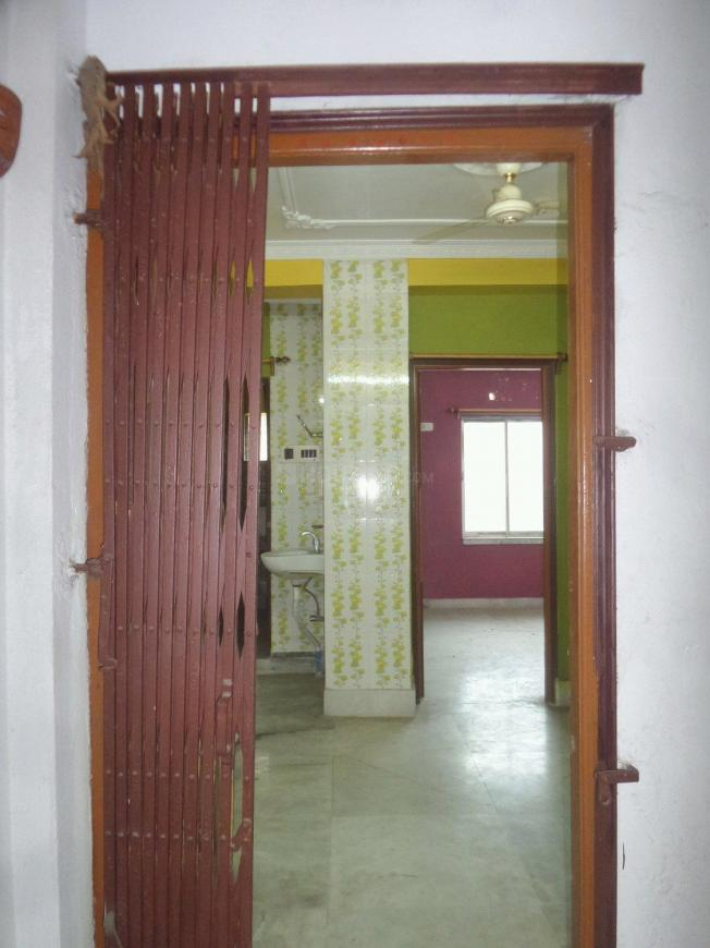 Main Entrance Image of 950 Sq.ft 3 BHK Apartment for buy in Paschim Putiary for 3550000
