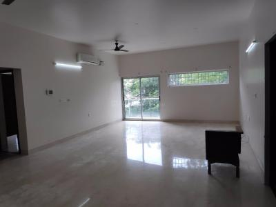 Gallery Cover Image of 2200 Sq.ft 3 BHK Apartment for rent in Teynampet for 200000