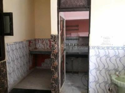 Gallery Cover Image of 700 Sq.ft 2 BHK Independent Floor for rent in Dwarka Mor for 6800
