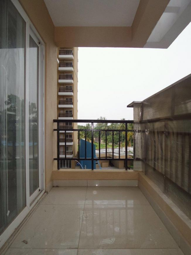 Attached Balcony with Living Room