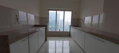 Gallery Cover Image of 1800 Sq.ft 4 BHK Apartment for rent in Malad West for 80000