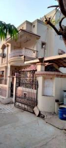 Gallery Cover Image of 3000 Sq.ft 4 BHK Independent House for rent in Memnagar for 40000
