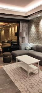 Gallery Cover Image of 2700 Sq.ft 3 BHK Apartment for rent in Omkar 1973, Worli for 270000