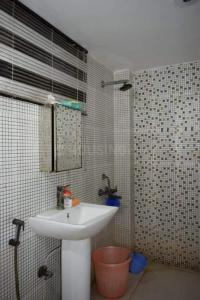 Bathroom Image of Mannat PG Life in Sector 16