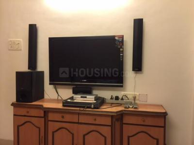 Gallery Cover Image of 900 Sq.ft 2 BHK Apartment for rent in Khar West for 67000