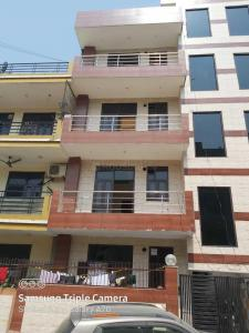Gallery Cover Image of 1250 Sq.ft 3 BHK Independent Floor for buy in Sector 91 for 3350000