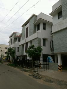 Gallery Cover Image of 1024 Sq.ft 2 BHK Apartment for rent in Thoraipakkam for 16500