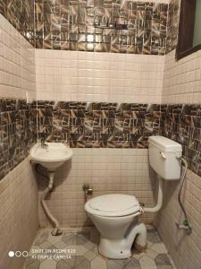 Bathroom Image of Shri Veda Andhra PG in DLF Phase 3