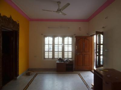 Gallery Cover Image of 900 Sq.ft 2 BHK Apartment for rent in Koramangala for 21000
