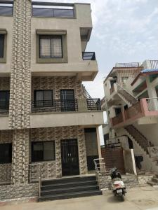 Gallery Cover Image of 600 Sq.ft 3 BHK Independent House for buy in Ranip for 10000000