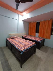 Bedroom Image of Available Fully Furnished Paying Guest Accomodation At Andheri East in Andheri East