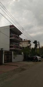 Gallery Cover Image of 1200 Sq.ft 2 BHK Independent House for rent in Sector 15 for 23000