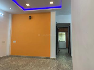 Gallery Cover Image of 840 Sq.ft 2 BHK Apartment for buy in Thiruvanmiyur for 7000000