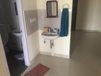 Gallery Cover Image of 950 Sq.ft 2 BHK Apartment for rent in Chembarambakkam for 12000