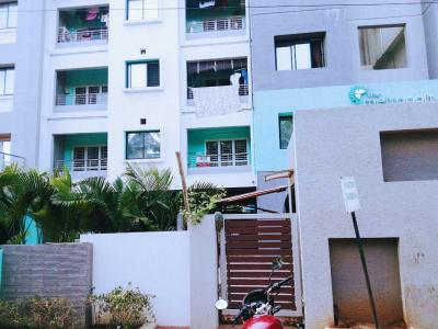 Gallery Cover Image of 1297 Sq.ft 3 BHK Apartment for rent in Kil Ayanambakkam for 15000