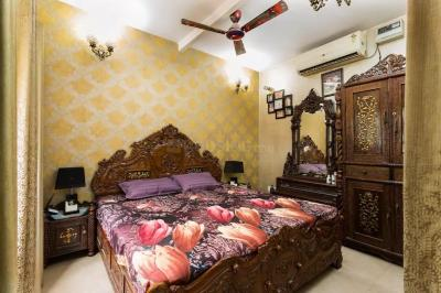Gallery Cover Image of 1000 Sq.ft 2 BHK Independent Floor for rent in Nizamuddin West for 50000