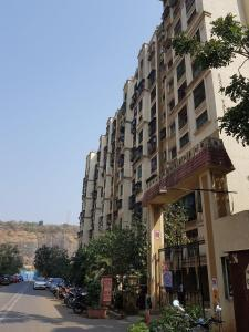 Gallery Cover Image of 615 Sq.ft 1 BHK Apartment for rent in Kandivali East for 19000