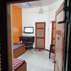 Gallery Cover Image of 765 Sq.ft 1 BHK Independent House for buy in Sayajipura for 3500000