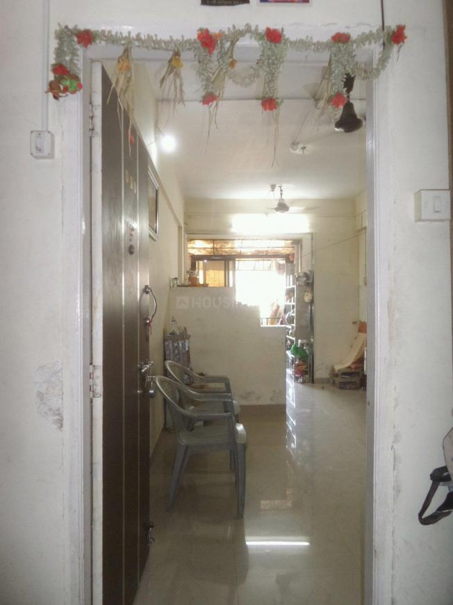 Main Entrance Image of 800 Sq.ft 2 BHK Apartment for buy in Kalyan West for 5200000