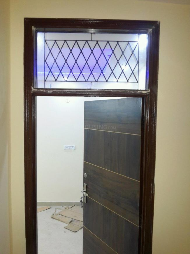 Main Entrance Image of 500 Sq.ft 1 BHK Independent Floor for buy in Chhattarpur for 1700000