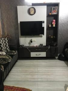 Gallery Cover Image of 540 Sq.ft 2 BHK Independent Floor for buy in Krishna Nagar for 3500000