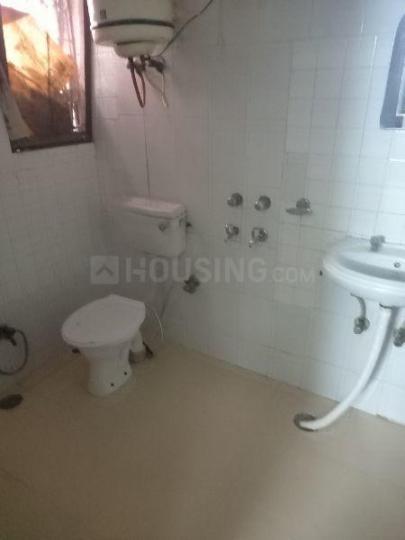 सरिता विहार में ओन्ली बॉयज़ में बाथरूम की तस्वीर