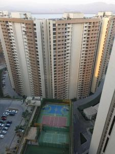 Gallery Cover Image of 983 Sq.ft 2 BHK Apartment for rent in Bhayandarpada, Thane West for 18000