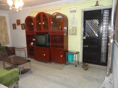 Gallery Cover Image of 960 Sq.ft 2 BHK Apartment for rent in Kandivali West for 34000