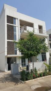Gallery Cover Image of 925 Sq.ft 2 BHK Independent Floor for buy in Sector 82 for 5200000