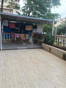 Gallery Cover Image of 1050 Sq.ft 2 BHK Apartment for rent in Goregaon East for 65000