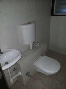 Gallery Cover Image of 860 Sq.ft 2 BHK Apartment for rent in Kandivali East for 31000