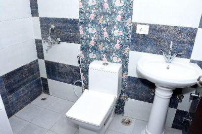 Bathroom Image of 1049 Sq.ft 2 BHK Apartment for buy in Royal Heritage, Sector 70 for 3900010