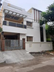 Gallery Cover Image of 2500 Sq.ft 3 BHK Independent House for buy in Valasaravakkam for 22000000