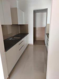 Gallery Cover Image of 1420 Sq.ft 2 BHK Apartment for buy in Marvel Piazza Phase 01, Viman Nagar for 14500000