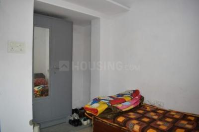 लोदी इस्टेट में पीजी फॉर गर्ल में बेडरूम की तस्वीर
