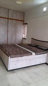 Gallery Cover Image of 750 Sq.ft 1 BHK Apartment for rent in Prabhadevi for 55000