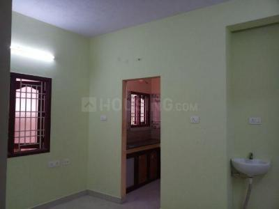 Gallery Cover Image of 740 Sq.ft 2 BHK Apartment for rent in Ramapuram for 13000