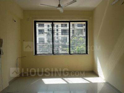 Living Room Image of 570 Sq.ft 1 BHK Apartment for rent in Kandivali East for 23000