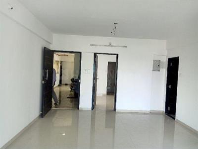 Gallery Cover Image of 800 Sq.ft 2 BHK Apartment for buy in RSN Vaibhav Heights, Santacruz East for 19500000