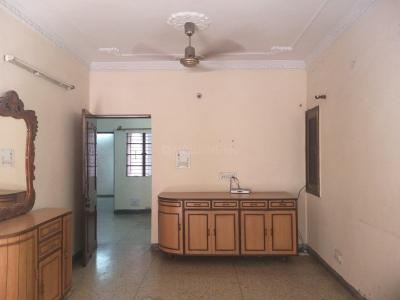 Gallery Cover Image of 1200 Sq.ft 3 BHK Apartment for rent in GH1 4 DDA MIG, Paschim Vihar for 23000