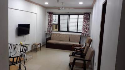 Gallery Cover Image of 750 Sq.ft 1 BHK Apartment for rent in Bandra West for 75000