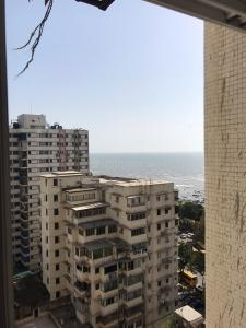 Gallery Cover Image of 758 Sq.ft 2 BHK Apartment for buy in Colaba for 8000000