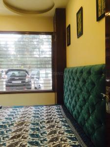 Gallery Cover Image of 1100 Sq.ft 3 BHK Apartment for buy in Pitampura for 8900000