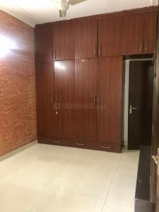 Gallery Cover Image of 1600 Sq.ft 3 BHK Apartment for rent in sunder apartment, Paschim Vihar for 30000