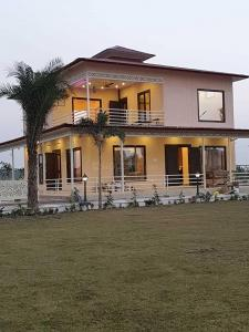 Gallery Cover Image of 1000 Sq.ft 3 BHK Villa for buy in Sector 135 for 4700000