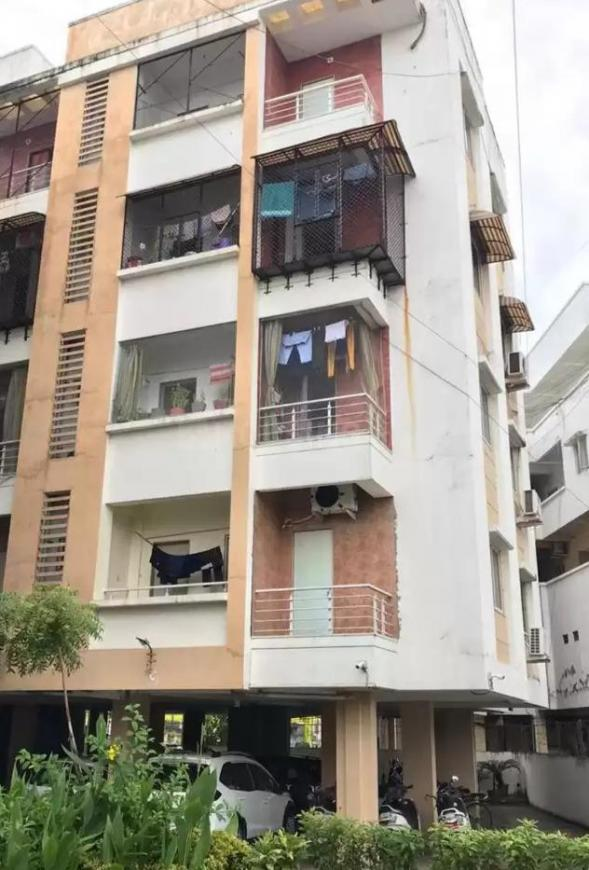 Building Image of 1700 Sq.ft 3 BHK Apartment for buy in Karelibaug for 5500000