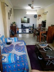 Gallery Cover Image of 1100 Sq.ft 2 BHK Apartment for buy in Chembur for 25000000