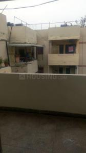 Gallery Cover Image of 1000 Sq.ft 2 BHK Apartment for rent in Patparganj for 21000